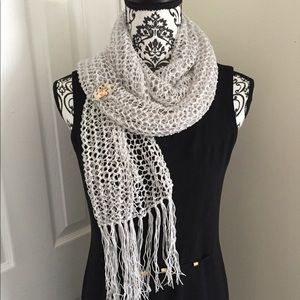 Accessories - NWOT SCARF HAND KNITTED IN PERLE THREAD